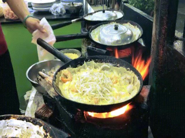"""CNN liệt kê 8 món ăn vặt """"đỉnh"""" nhất Sài Gòn"""