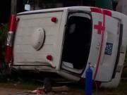 Lật xe cấp cứu, 1 người chết, 5 người bị thương