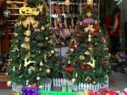 Tin tức trong ngày - Đồ trang trí Noel giá bạc triệu hút khách ở Hà Nội