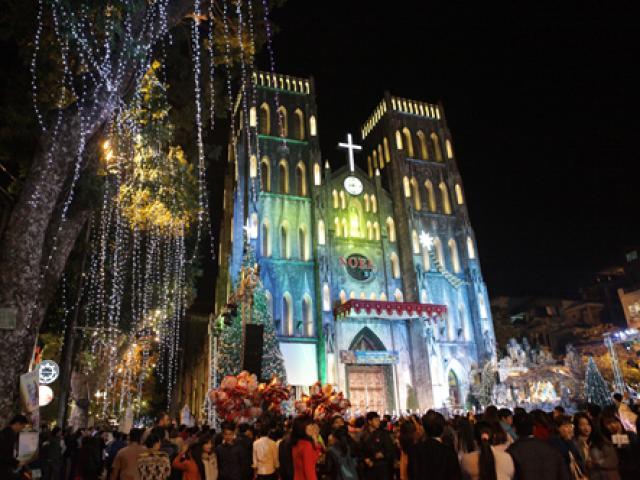 Ảnh: Nhà thờ Lớn lung linh, huyền ảo đón Giáng sinh