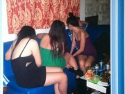 An ninh Xã hội - Tiếp viên nhà hàng múa khỏa thân, tắm bia chiều khách