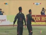 Bóng đá Việt Nam - Bức xúc, ban huấn luyện CLB Hà Nội vái lạy trọng tài Trí