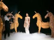 Á hậu cao nhất Việt Nam quá lộng lẫy tại tuần thời trang Việt