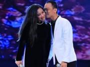 Ca nhạc - MTV - Chế Phong hôn Thanh Thanh Hiền tình tứ trên sân khấu