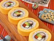 Biến tấu lạ miệng với sushi trứng cuộn ngon miễn bàn