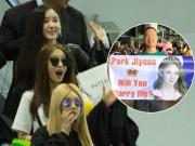 Fan Việt hoá trang, giăng băng rôn cầu hôn T-ara tại sân bay