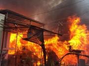 Tin tức trong ngày - Cháy nhà lúc rạng sáng, 3 bố con tử vong thương tâm