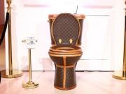 Hơn 2 tỷ cho chiếc bồn cầu từ túi Louis Vuitton, ai dám ngồi?