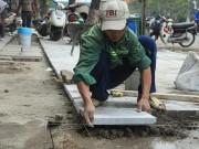 Tin tức trong ngày - Hà Nội tiếp tục lát vỉa hè bằng đá tự nhiên có độ bền 70 năm