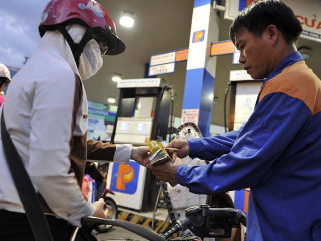 Hôm nay, giá xăng có tăng theo giá điện?