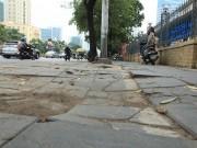 """Tin tức trong ngày - Chủ tịch Hà Nội: """"Lát đá vỉa hè làm rất bừa bãi"""""""