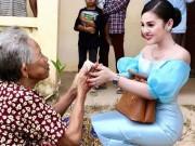 Đời sống Showbiz - Mỹ nữ Campuchia đi từ thiện mặc như dự tiệc
