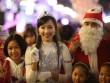 Trai xinh gái đẹp rủ nhau xuống phố đón Noel giữa tiết trời lạnh giá
