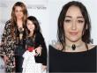 Gương mặt kì dị do thẩm mỹ quá tay của em gái Miley Cyrus