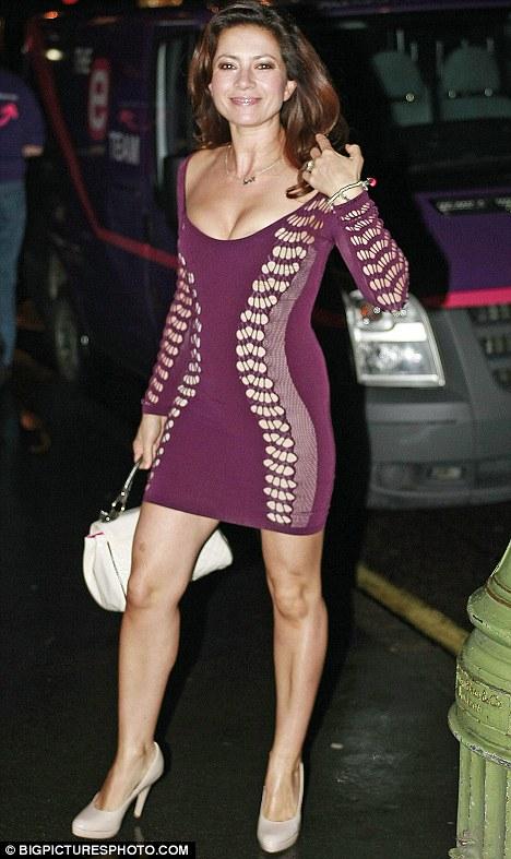 Tuổi 40 và cuộc chiến giảm eo để mặc váy bó - 3