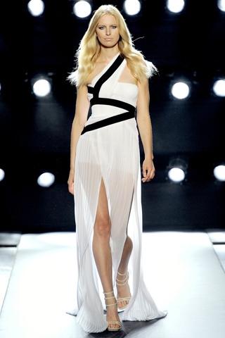 Hãy diện váy lệch vai cho mùa Xuân Hè 2011 - 5