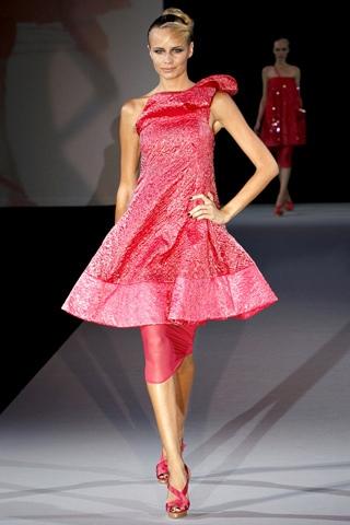 Hãy diện váy lệch vai cho mùa Xuân Hè 2011 - 7
