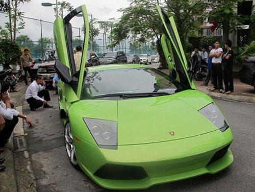 """Những siêu xe """"khủng"""" nhất về VN năm 2010 - 2"""