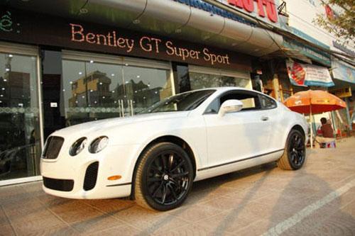 """Những siêu xe """"khủng"""" nhất về VN năm 2010 - 5"""