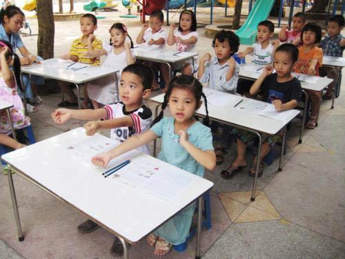 Tuyển thêm 26.000 giáo viên mầm non - 1