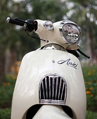 Sachs Amici 125 xe tay ga đậm nét cổ điển phong cách Âu châu - 2