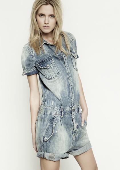 Kết hợp jeans và kaki phong cách - 13