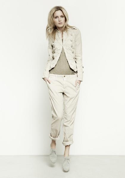 Kết hợp jeans và kaki phong cách - 17