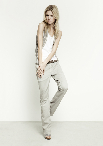 Kết hợp jeans và kaki phong cách - 19