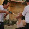 """Wanbi Tuấn Anh """"bầm dập"""" vì bị… bạo hành"""