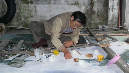 Kỷ lục Việt Nam: Bức tranh gắn đá quý trên vải toan nguyên khổ lớn nhất - 1