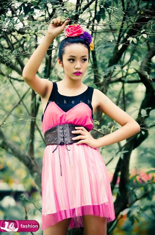 Người mẫu 12 tuổi mặc váy đẹp du xuân - 3