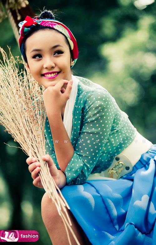 Người mẫu 12 tuổi mặc váy đẹp du xuân - 4