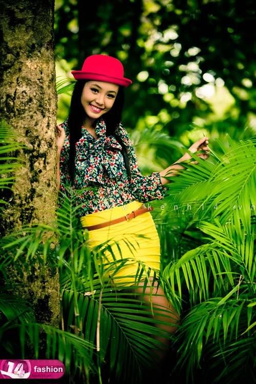 Người mẫu 12 tuổi mặc váy đẹp du xuân - 9
