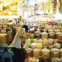 TP HCM: Hàng hoá tết về các chợ đầu mối tăng 20 – 30%