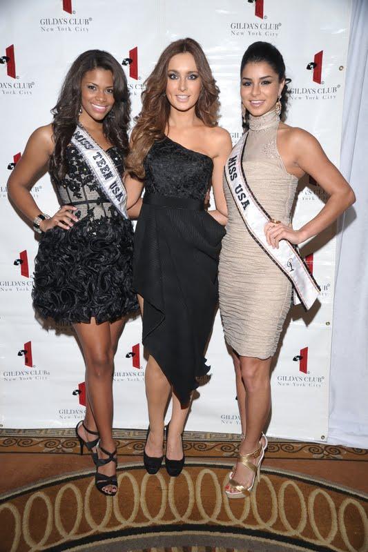 Hoa hậu Ireland cháy bỏng với váy ngủ - 15
