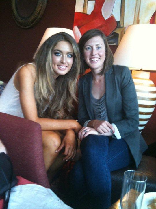 Hoa hậu Ireland cháy bỏng với váy ngủ - 16