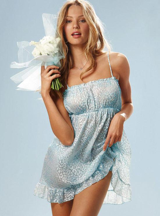 Candice Swanepoel ngọt ngào với nội y cưới - 18