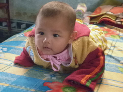 Quảng Nam: Bé 2 tháng tuổi đã biết nói - 1