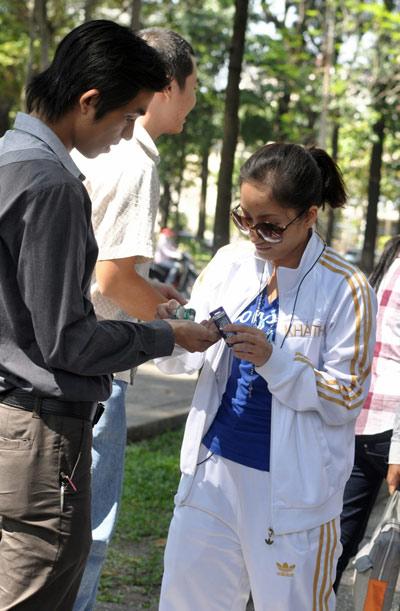 Khánh Thy và Nhan phúc Vinh đồng hành với Lữ khách 24h - 3