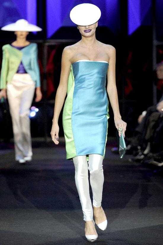 Armani Privé: các mỹ nhân ngoài hành tinh khoe sắc - 6