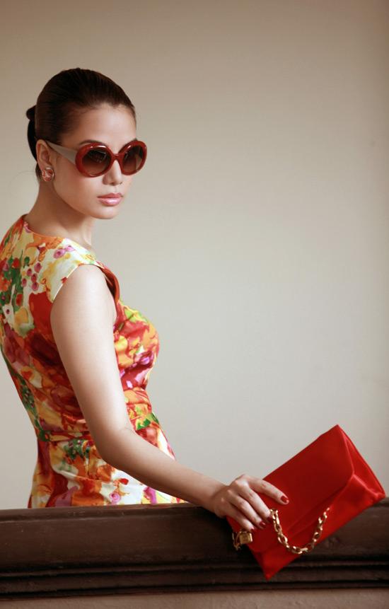 Diện váy ngắn yêu kiều như Trương Ngọc Ánh - 11