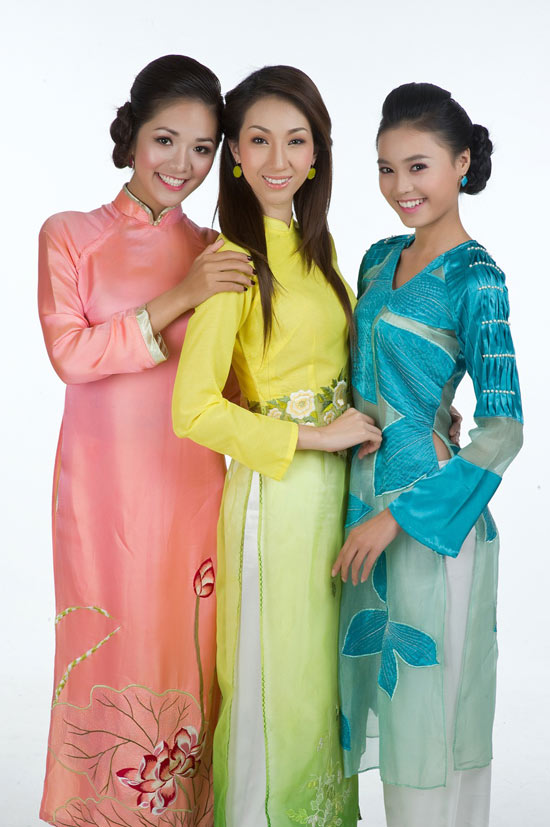 Mặc áo dài Tết đẹp như sao Việt - 11