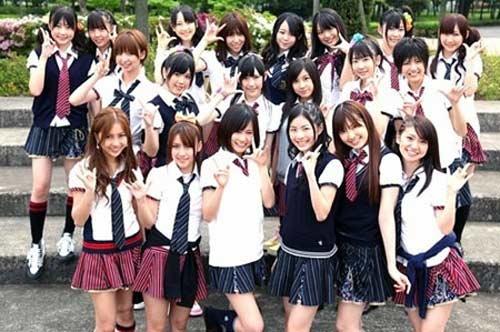 Nhóm nhạc teen Nhật Bản gây sốc với áo xuyên thấu - 3