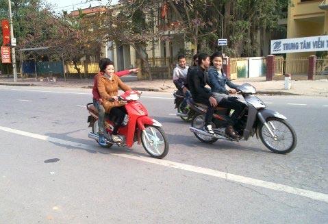 """Ngày Tết """"bỏ"""" luật giao thông (?!) - 6"""