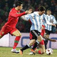 """Video Argentina – Bồ Đào Nha: Messi """"đấu súng"""" CR7"""