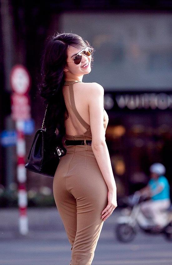"""Mặc jumpsuit đẹp như """"búp bê"""" 9X Ngọc Trinh - 7"""