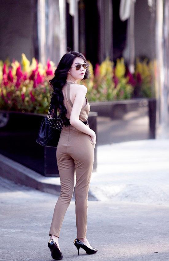 """Mặc jumpsuit đẹp như """"búp bê"""" 9X Ngọc Trinh - 8"""
