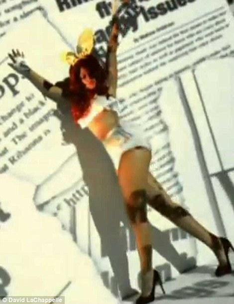 Xem lén video sexy bị cấm của Rihanna - 8
