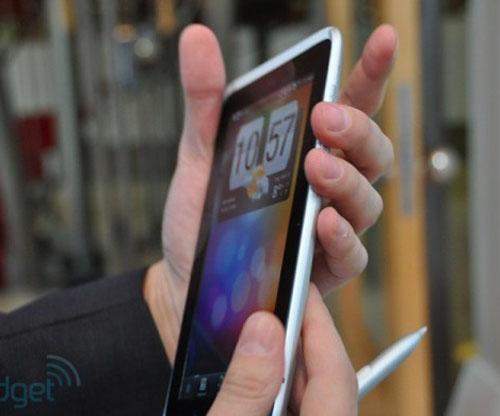 Tablet HTC Flyer có gì khủng? - 2
