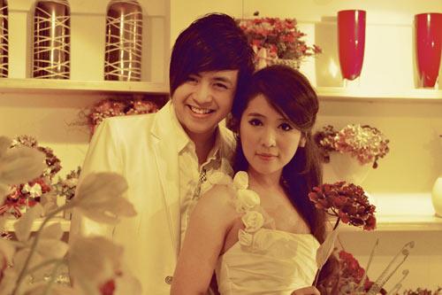 Wanbi Tuấn Anh tình tứ bên gái Hàn - 4